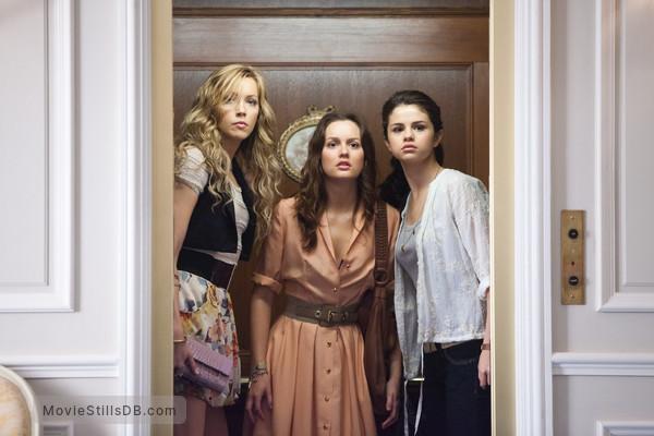 Monte Carlo - Publicity still of Katie Cassidy, Selena Gomez & Leighton Meester