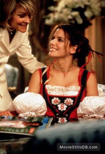 Miss Congeniality Publicity Still Of Sandra Bullock Candice Bergen