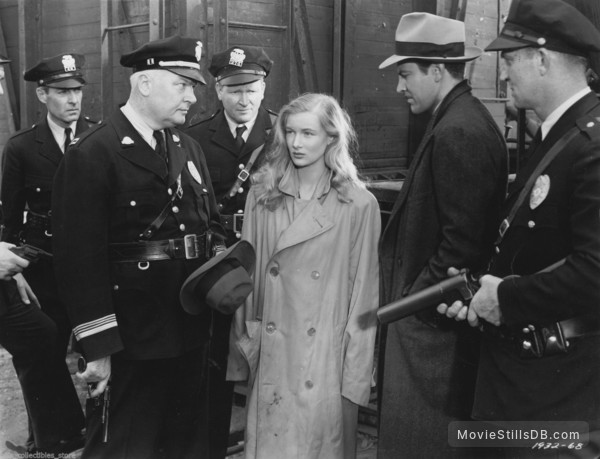 This Gun for Hire - Publicity still of Veronica Lake & Robert Preston