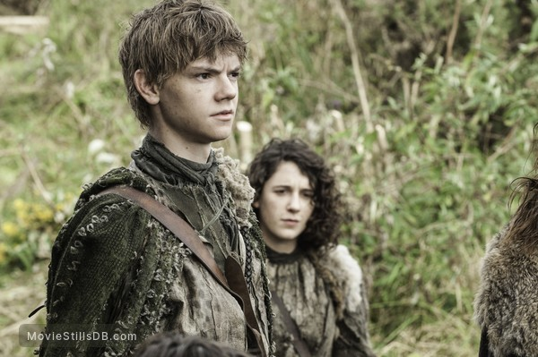 Game of Thrones - Publicity still of Ellie Kendrick & Thomas Brodie-Sangster