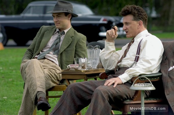 All the King's Men - Publicity still of Jude Law & Sean Penn