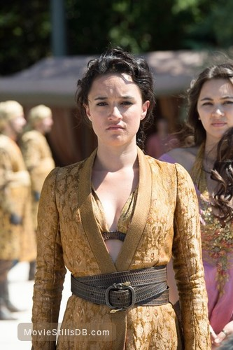Game of Thrones - Publicity still of Jessica Henwick & Keisha Castle-Hughes