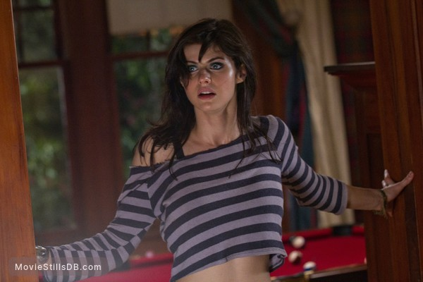 Texas Chainsaw Massacre 3D - Publicity still of Alexandra Daddario