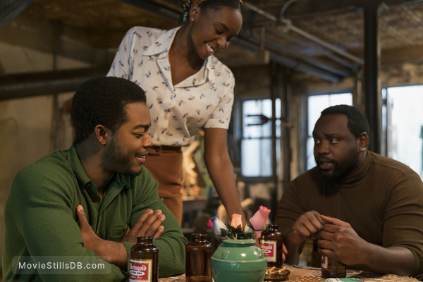 If Beale Street Could Talk - Publicity still of Stephan James, Kiki Layne & Brian Tyree