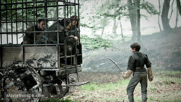 Game of Thrones - Publicity still of Maisie Williams, Tom Wlaschiha, Andy Beckwith & Gerard Jordan