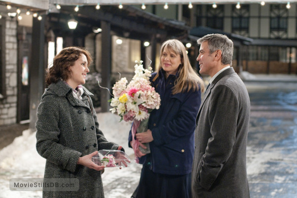 Up in the Air - Publicity still of Melanie Lynskey, Amy Morton & George Clooney