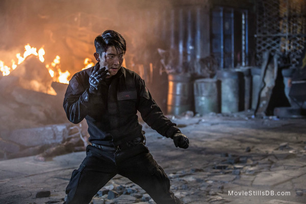Resident Evil The Final Chapter Publicity Still Of Lee Joon Gi