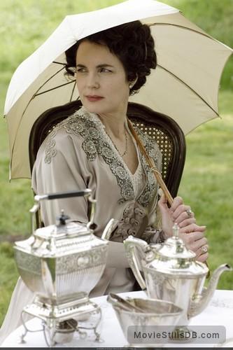 Downton Abbey - Publicity still of Elizabeth McGovern