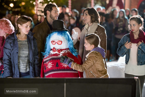 Taylor Cole Christmas In Homestead.Christmas In Homestead Publicity Still Of Taylor Cole