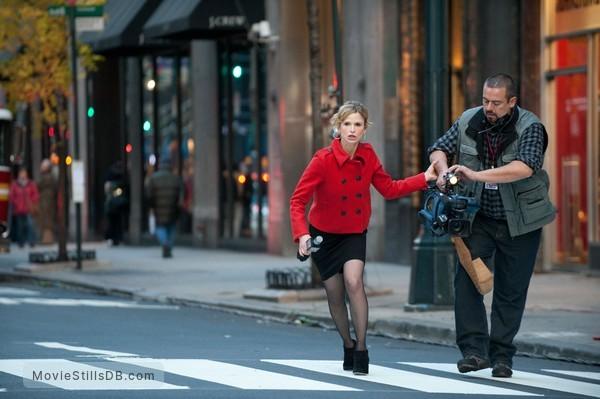 Man on a Ledge - Publicity still of Kyra Sedgwick & Frank Pando