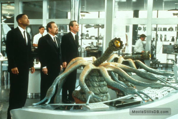 Men In Black - Publicity still of Tommy Lee Jones, Will Smith & Rip Torn