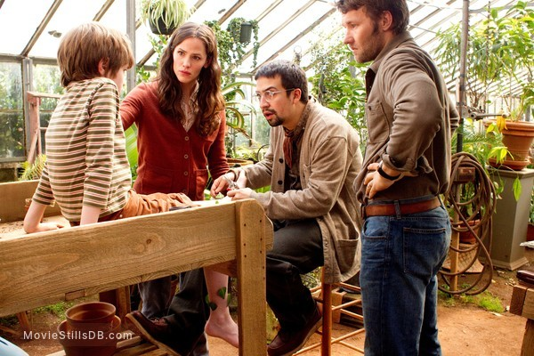 The Odd Life of Timothy Green - Publicity still of Jennifer Garner, Cj Adams, Joel Edgerton & Lin-Manuel Miranda