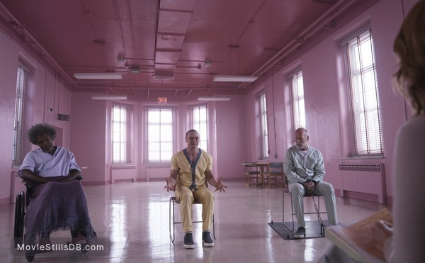 Glass - Publicity still of James McAvoy, Bruce Willis & Samuel L. Jackson