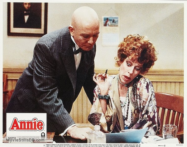 Annie - Lobby card with Albert Finney & Carol Burnett