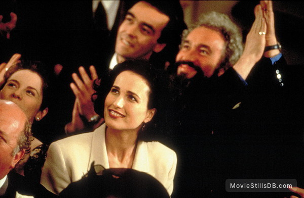 Four Weddings and a Funeral - Publicity still of Andie MacDowell, John Hannah & Simon Callow