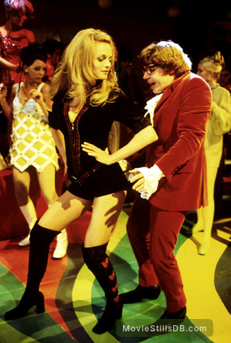 Austin Powers The Spy Who Shagged Me Publicity Still Of Mike Myers Heather Graham