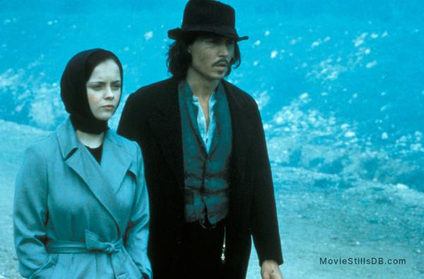 The Man Who Cried - Publicity still of Johnny Depp & Christina Ricci