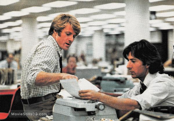 All the President's Men - Publicity still of Dustin Hoffman & Robert Redford
