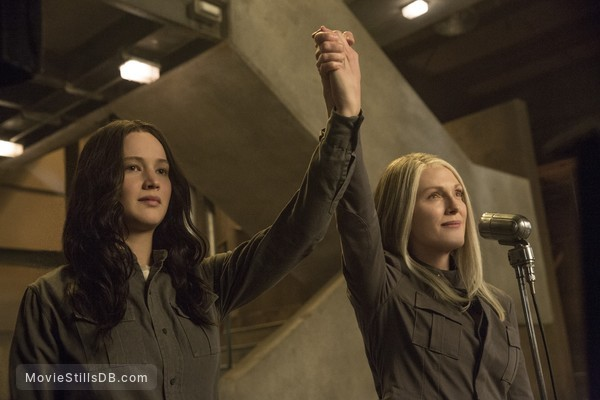 The Hunger Games: Mockingjay - Part 1 - Publicity still of Jennifer Lawrence & Julianne Moore