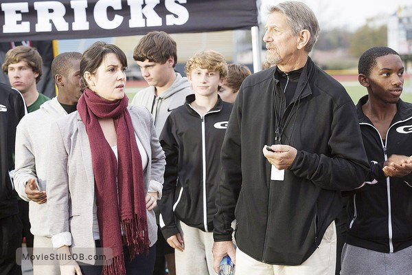 1 Mile to You - Publicity still of Peter Coyote & Melanie Lynskey