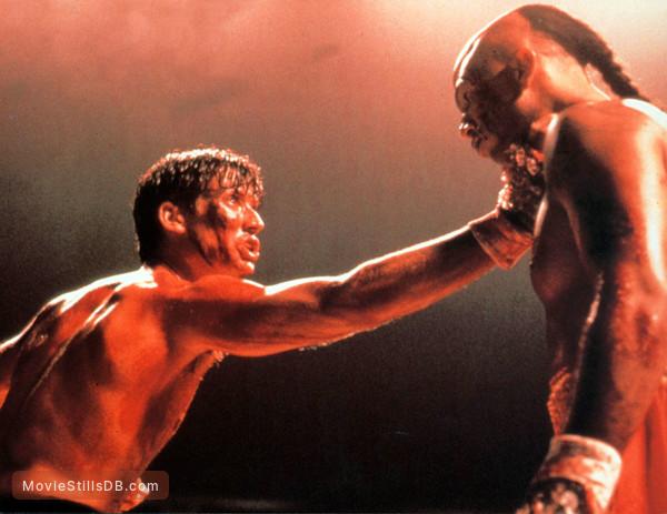 Kickboxer 2 - Publicity still of Michel Qissi & Sasha Mitchell