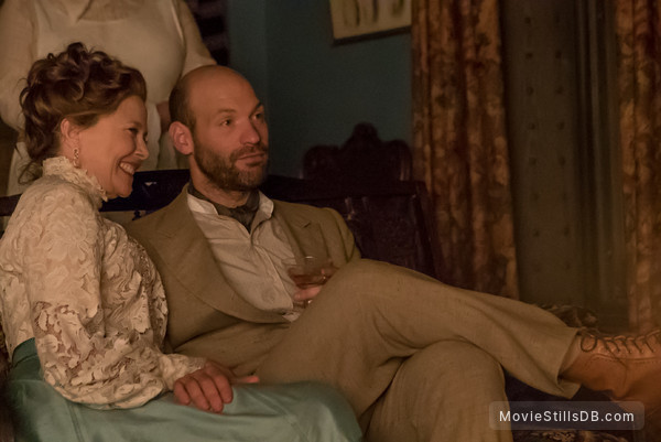 The Seagull - Publicity still of Annette Bening & Corey Stoll