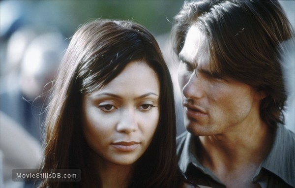 Mission: Impossible II - Publicity still of Tom Cruise & Thandie Newton
