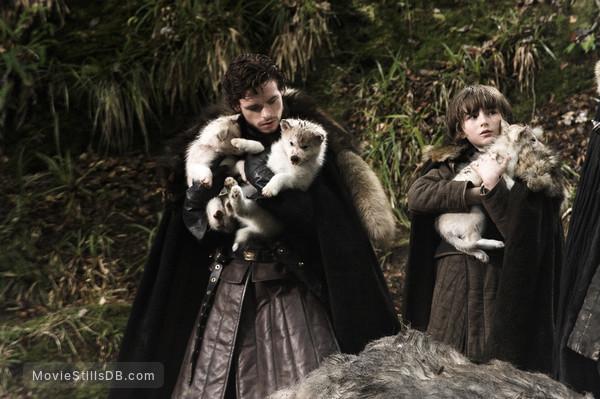 Game of Thrones - Publicity still of Richard Madden & Isaac Hempstead-Wright