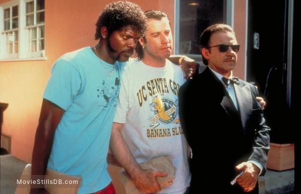 Pulp Fiction - Publicity still of John Travolta, Samuel L. Jackson & Harvey Keitel