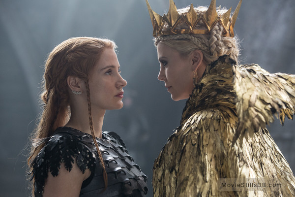 The Huntsman Winter's War - Publicity still of Charlize Theron & Jessica Chastain