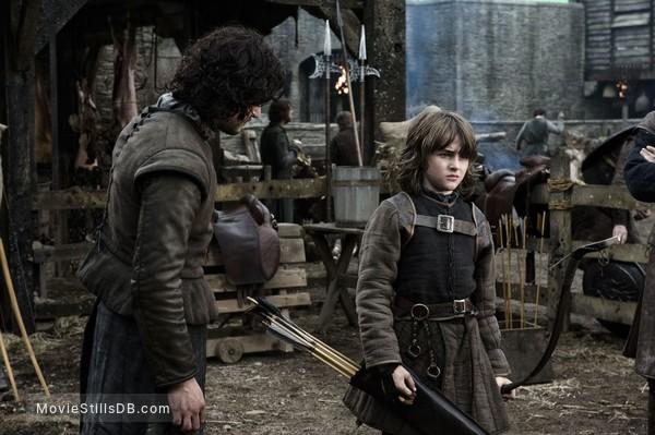 Game of Thrones - Publicity still of Isaac Hempstead-Wright & Kit Harington
