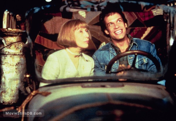 The Beverly Hillbillies - Publicity still of Diedrich Bader & Lily Tomlin