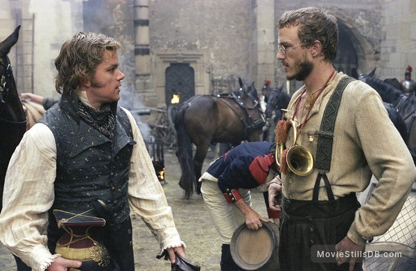 The Brothers Grimm - Publicity still of Heath Ledger & Matt Damon